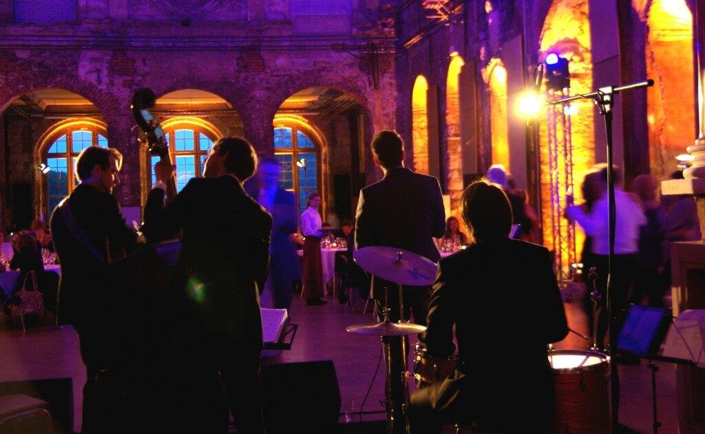 Hochzeitsband Tanz