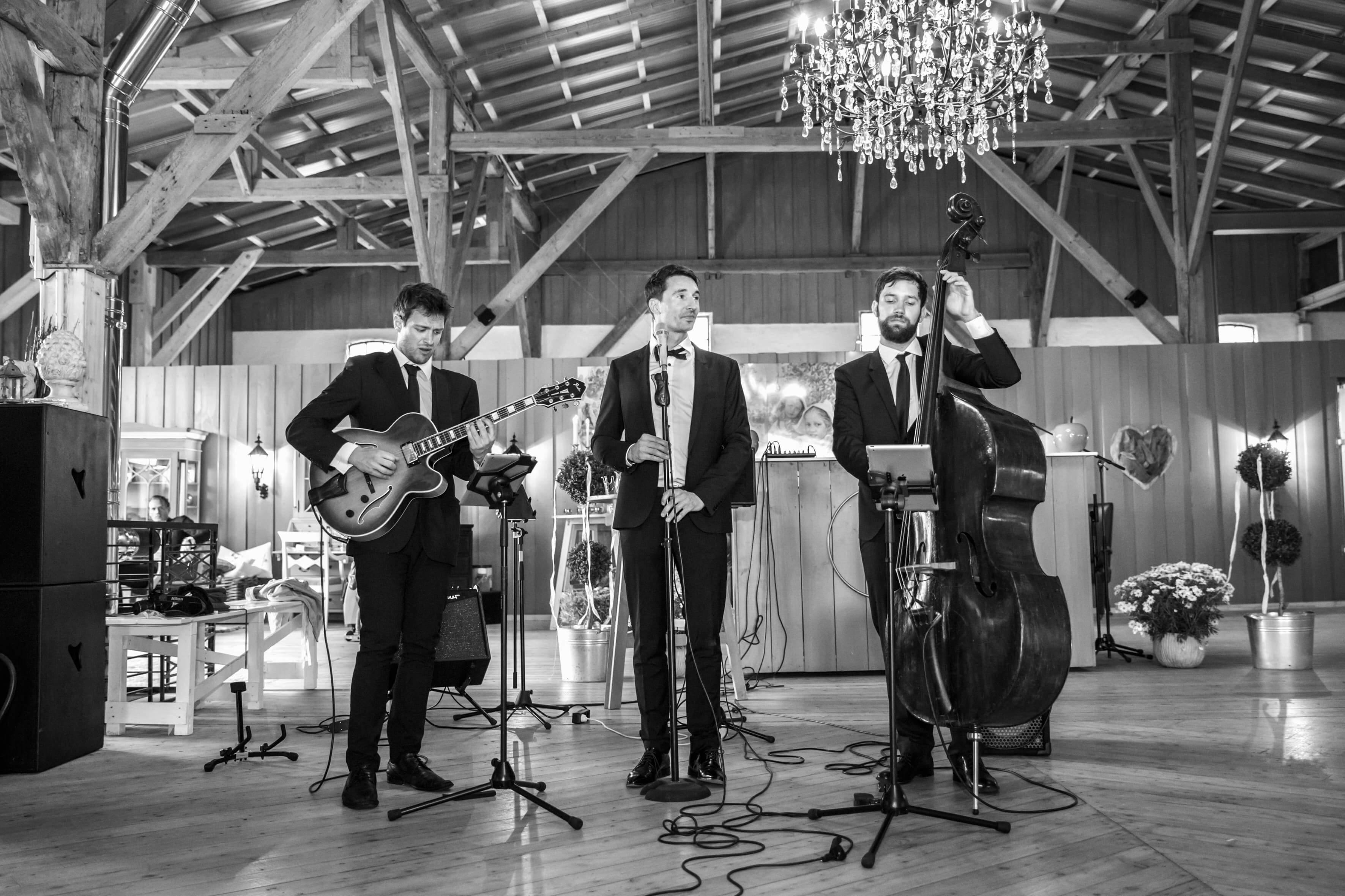 Jazz Trio bei einem Auftritt